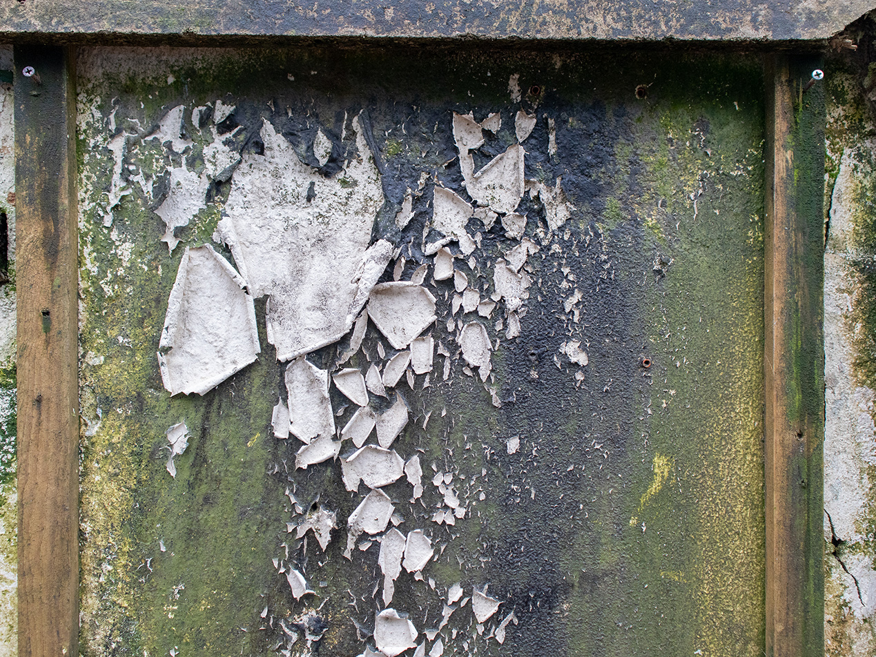 image of flaking paint